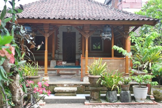 Lesehan area at Warung Teges Ubud Bali by Myfunfoodiary