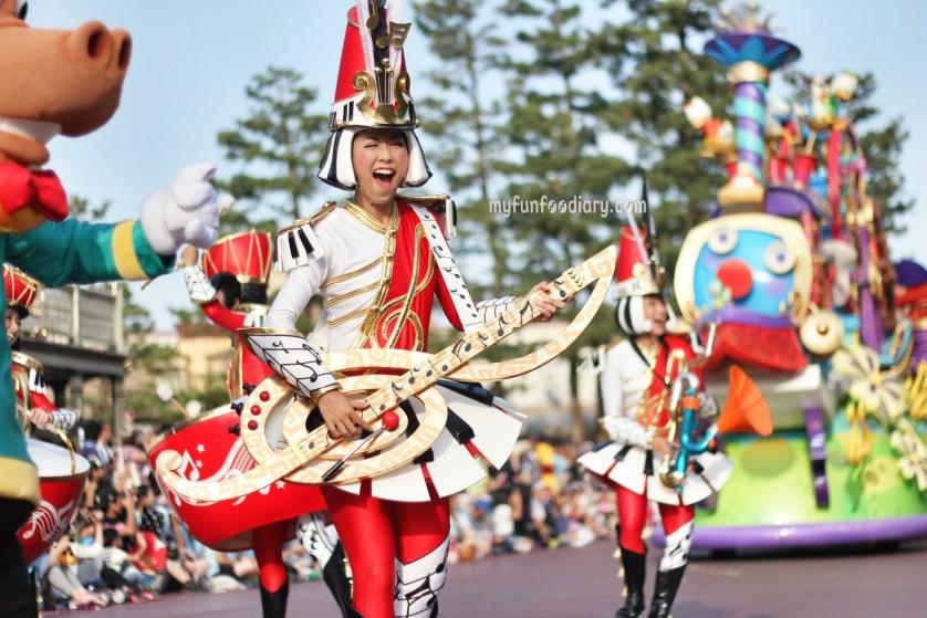 Tokyo Disney Parade July 2014 by Myfunfoodiary 04