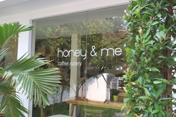 Ambiance Honey and Me Coffee Eatery by Myfunfoodiary 07