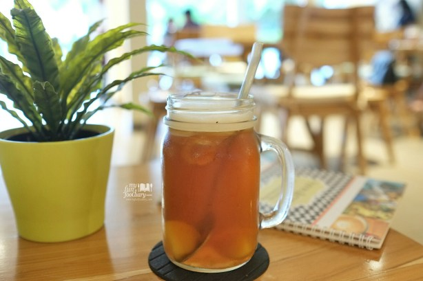 Iced Peach Tea at Honey and Me Coffee Eatery by Myfunfoodiary