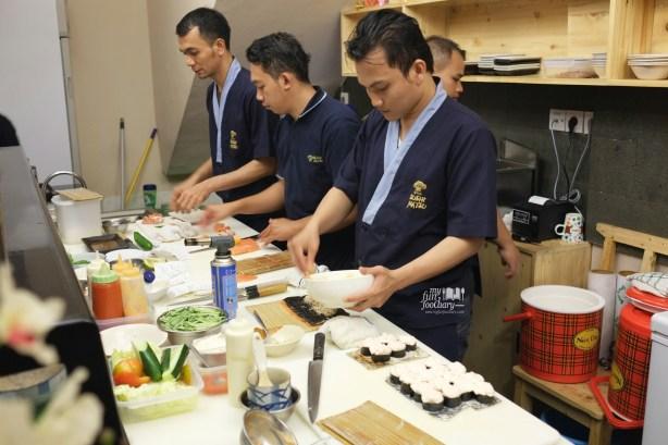 Kesibukan di dapur at Sushi Matsu BSD by Myfunfoodiary