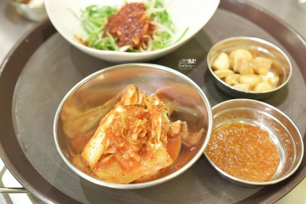 Kimchi and Garlic at Magal Resto PIK by Myfunfoodiary