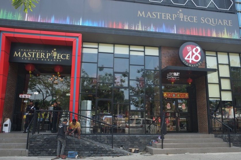 Ambiance at 48 Signature Restaurant PIK by Myfunfoodiary 03