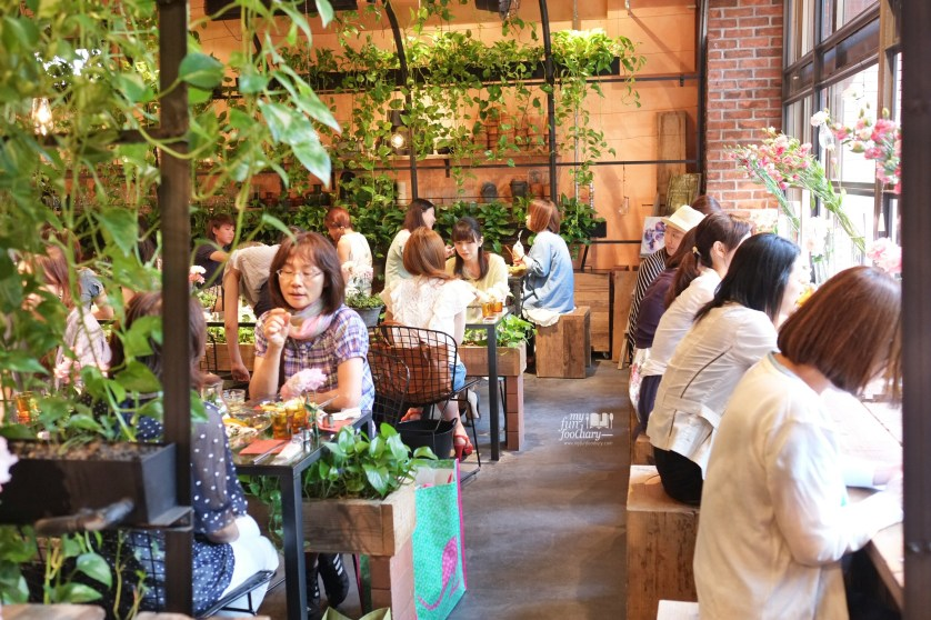 Ambiance at Aoyama Flower Market in Tokyo Japan by Myfunfoodiary 02