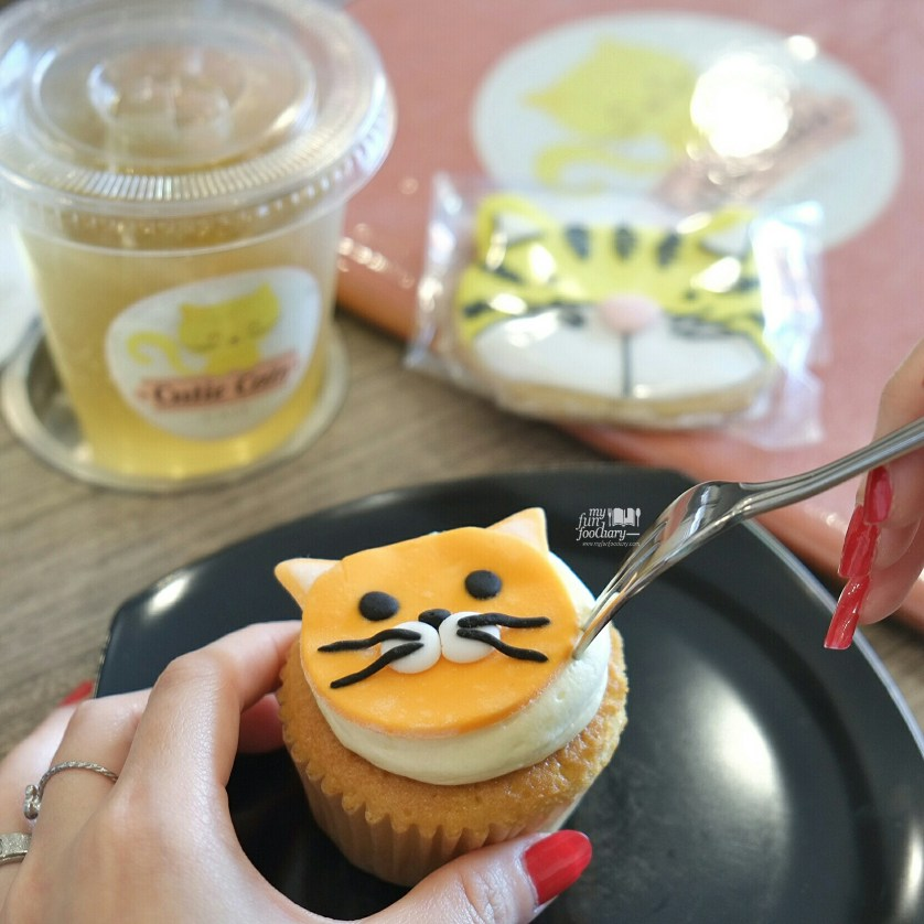 Dessert at Cutie Cats Cafe by Myfunfoodiary