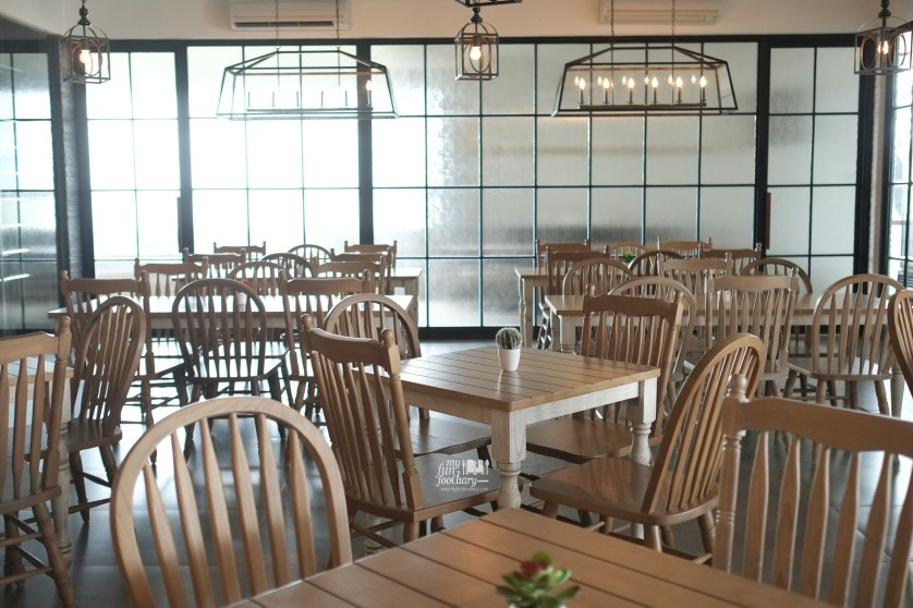Indoor Dining Area at Clique Kitchen and Bar by Myfunfoodiary