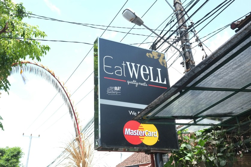 Signboard Eat Well Bali by Myfunfoodiary.jpg