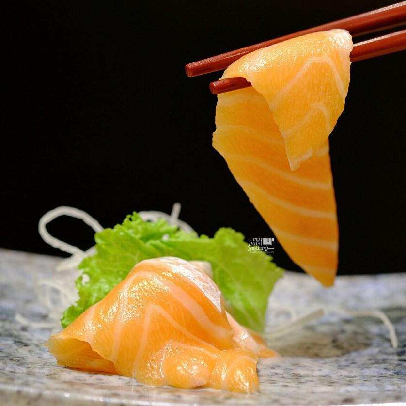Close Up Fatty Salmon at Itacho Sushi by Myfunfoodiary