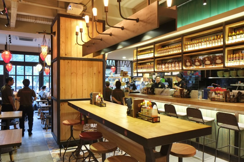Interior Nam Nam Noodle Bar by Myfunfoodiary 03