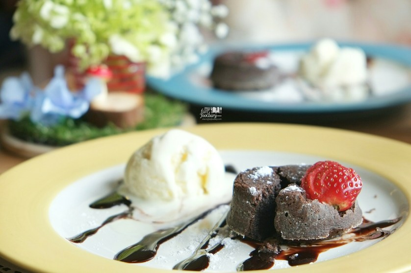 Molten Chocolate Cake at Eureca BSD by Myfunfoodiary