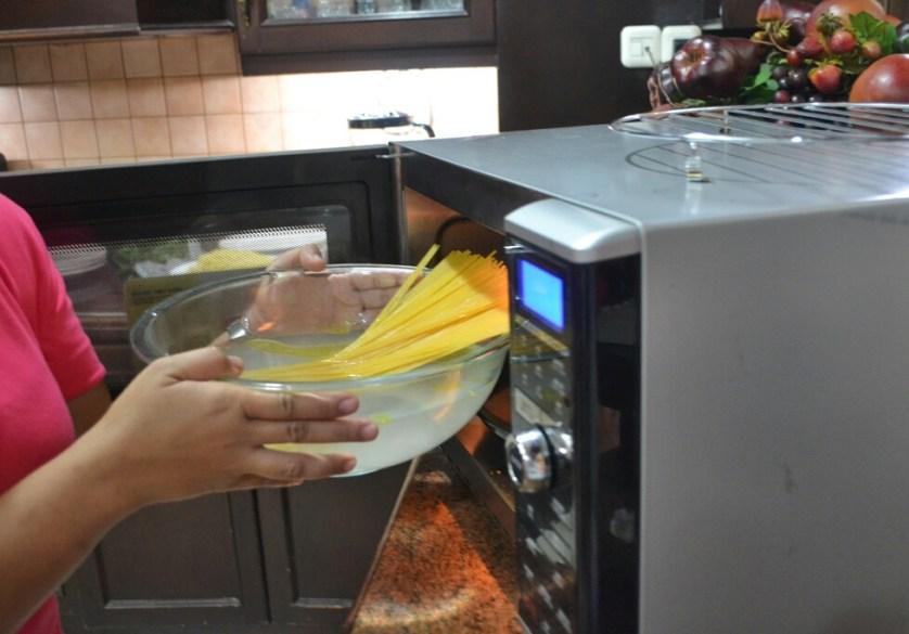 bisa masak spaghetti di microwave_1