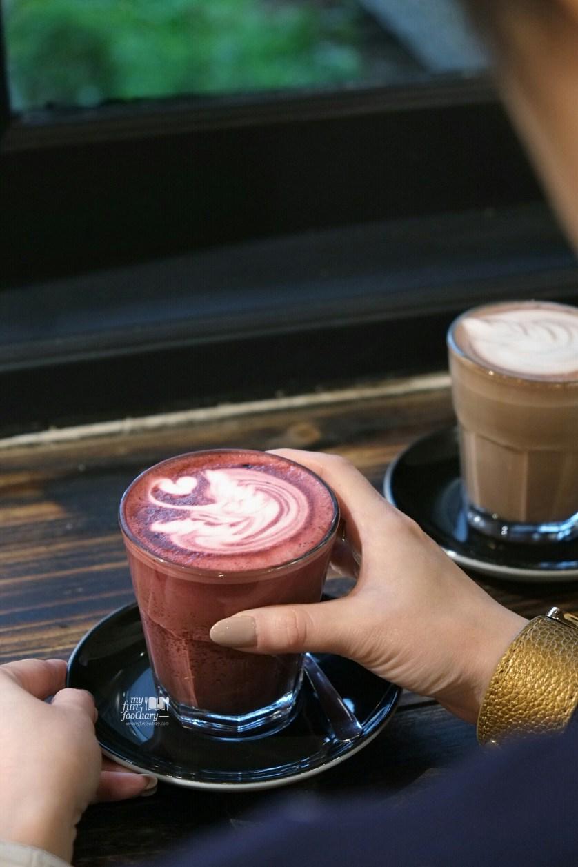Red Velvet Latte at WATT Coffee by Myfunfoodiary 02