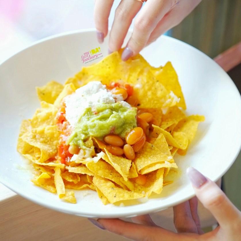 Crispy Nachos at Cafetaria Study Lounge by Myfunfoodiary 01