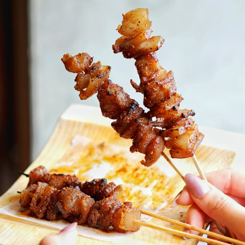 Pork Skin Skewers at Holywings Jakarta by Myfunfoodiary.jpg
