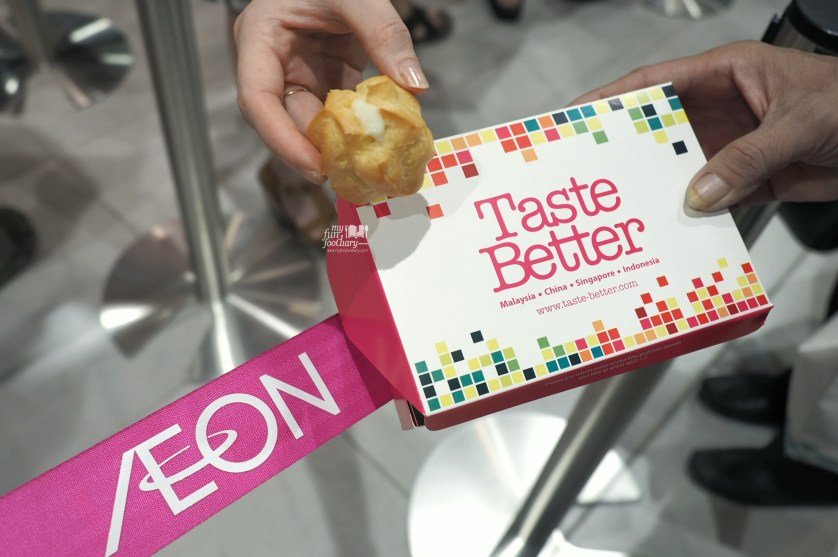 Taste Better Durian Puff at AEON Mall by Myfunfoodiary