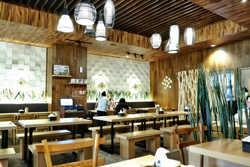 Cozy Ambiance inside Bale Lombok Lippo Mall Puri by Myfunfoodiary