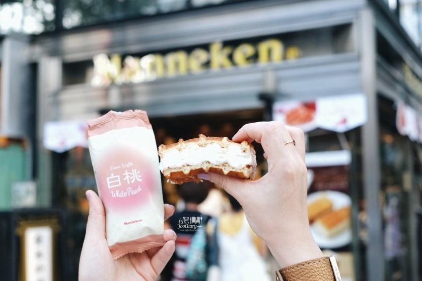 White Peach Manneken Waffle at Ginza Tokyo by Myfunfoodiary