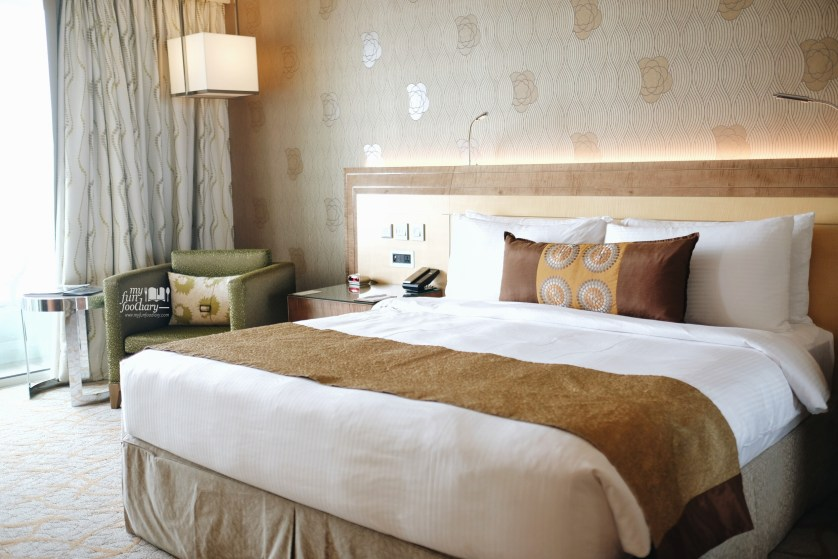 Spacious Deluxe Room with View to Esplanade 4318 Tower 3 Marina Bay Sands by Myfunfoodiary