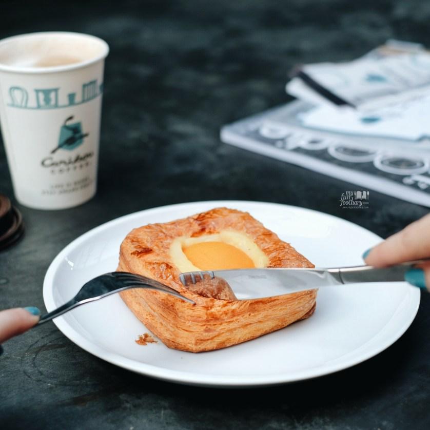 Apricot Danish at Caribou Coffee Senopati by Myfunfoodiary