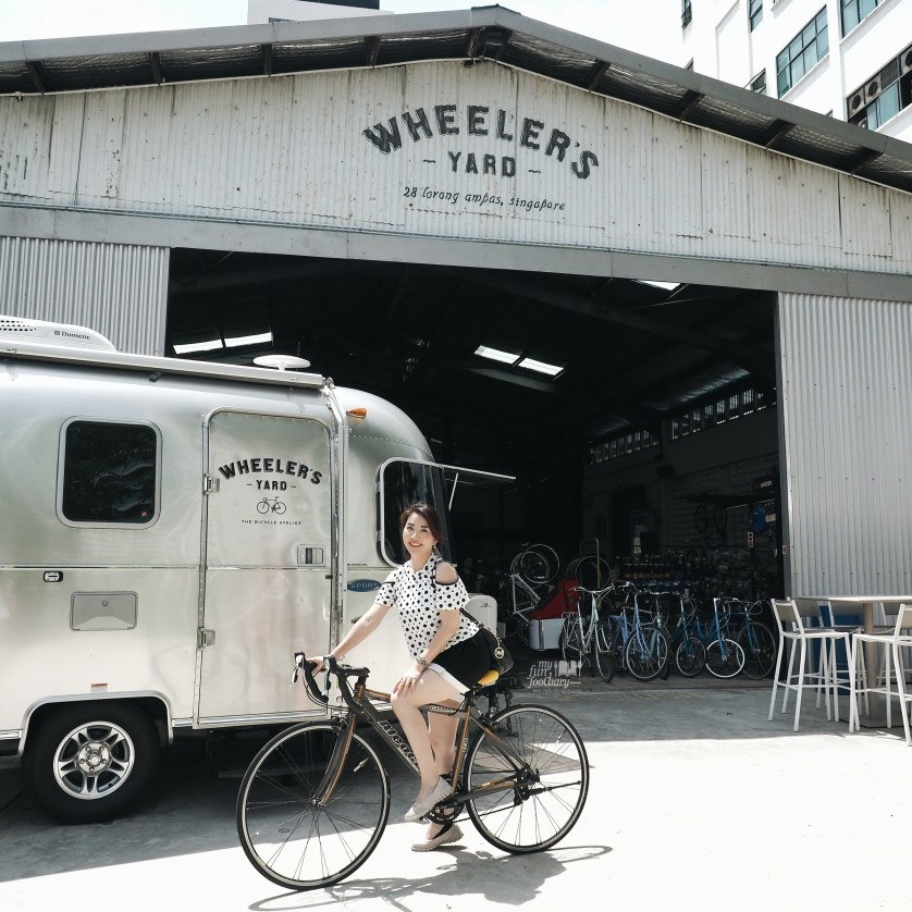 Mullie at Wheeler's Yard Singapore