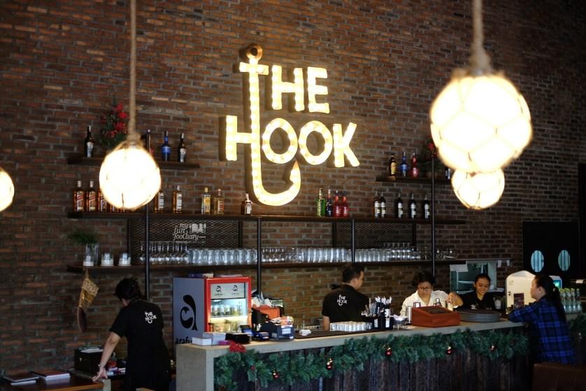 The Hook Ambiance by Myfunfoodiary