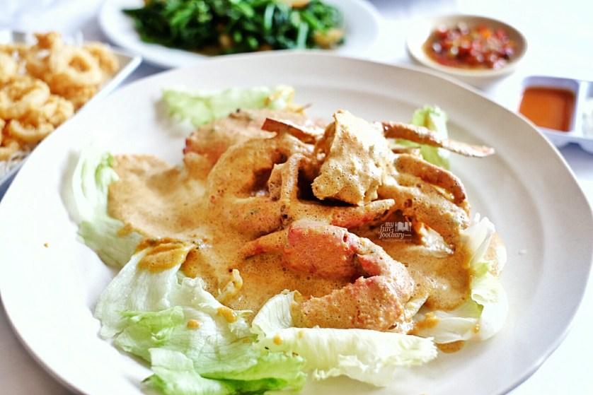 Kepiting Jantan Saus Telor Asin at Layar Seafood Jakarta by Myfunfoodiary 01