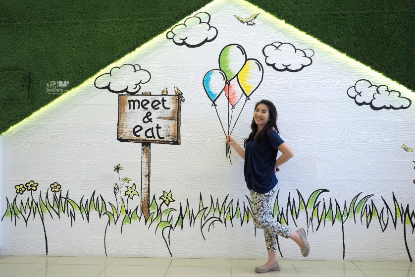 Cute Decor on the Second Floor at Meat and Eat by Myfunfoodiary 01
