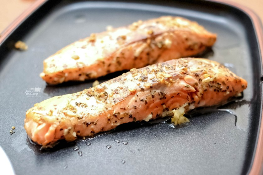 Pan-Seared Salmon Medium cook with Filippo Berio by Myfunfoodiary
