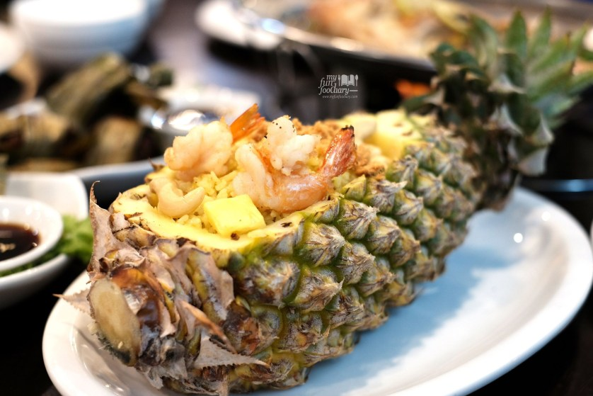 Pineapple Fried Rice at Thai Chada by Myfunfoodiary 01