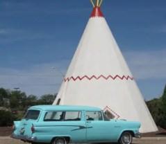 Weird Hotel- Wigwam Motel