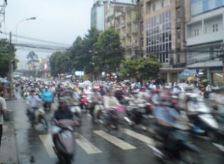 saigon crazy traffic