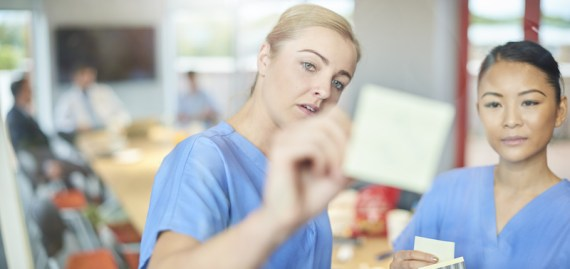How to get a nursing career in the UK