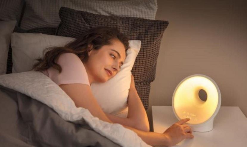 Philips SmartSleep Sleep and Wake-up Light Therapy Lamp - Product Review -  My Gadgets