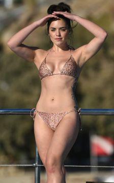 olympia-valance-in-bikini-on-the-beach-in-mykonos-10-10-2016_1