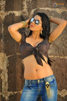 sakshi-chaudhary-hot-photos-11
