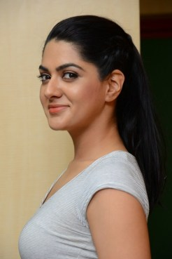 sakshi-chaudhary-latest-stills-03