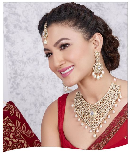 2000304._gauhar-khan-for-mithya-exclusive-design-white-kundan-necklace-set-with-maang-tikka-by-kriaa