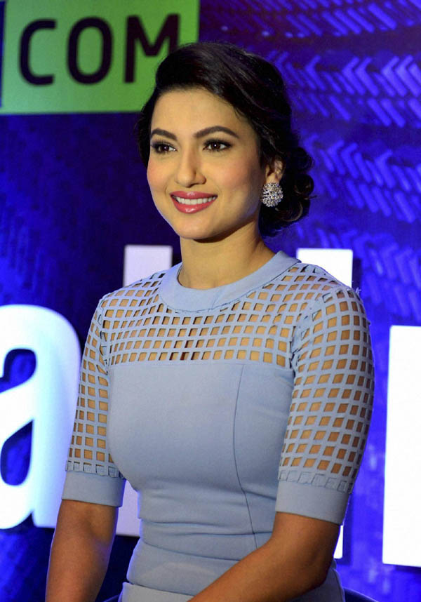 Bhopal: Actress Gauhar Khan at an event in Bhopal on Wednesday. PTI Photo (PTI7_15_2015_000216A) *** Local Caption ***