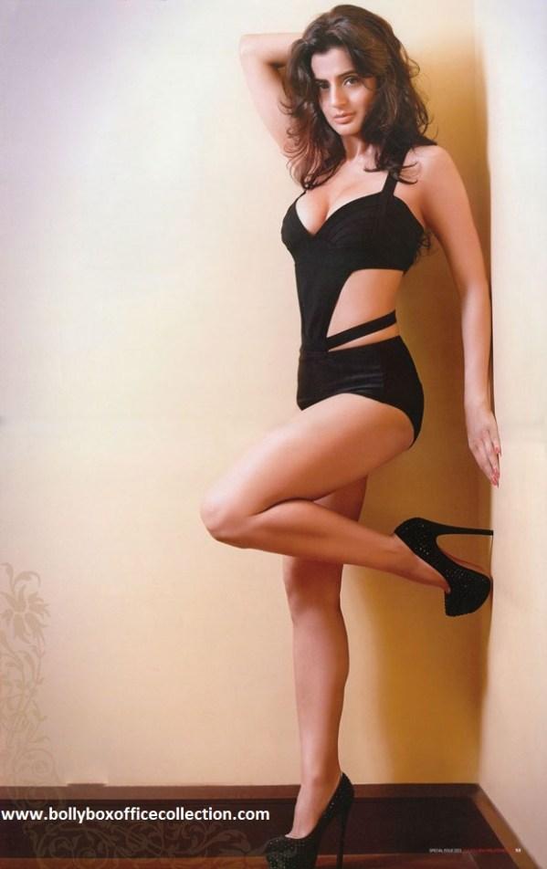 Amisha-Patel-Latest-New-Hot-Bikini-Images-Wallpapers-3