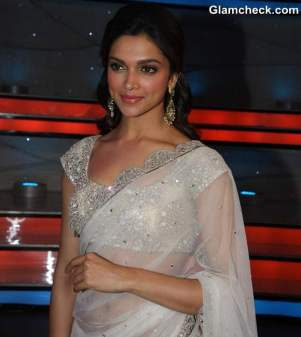 Deepika-Padukone-in-sari-2013-Promotes-Race-2-on-Nach-Baliye-5
