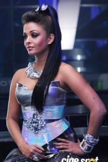 different-looks-of-aishwarya-rai-in-robot-35