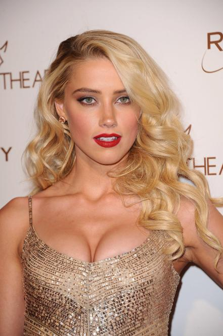 amber-heard-in-this-sexy-dress-4367