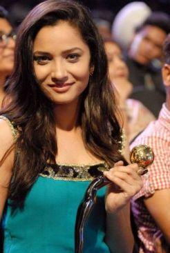 Ankita-Lokhande-at-Gold-Awards__1_