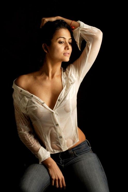 bollywood_hindi_actress_hot_Amrita_Arora_sexy_saree_hot_bikini_stills_wallpapers_images_photo_gallery_pictures_08