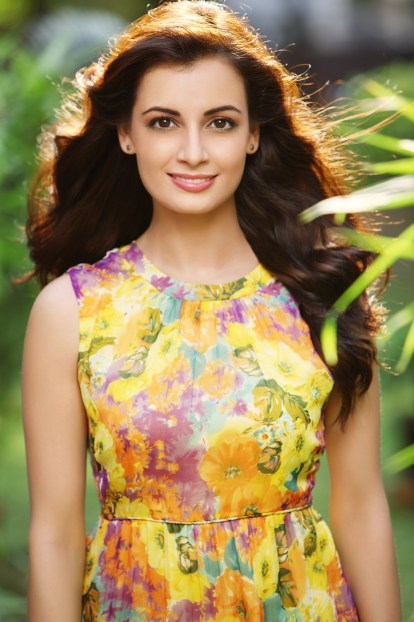 dia-mirza-new-look-hd-wallpapers