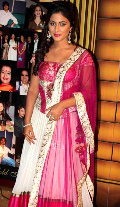 Hina_Khan_Gold_Awards_2012