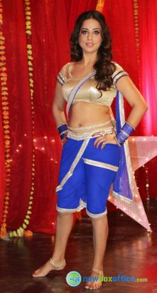 Actress Mahi Gill Hot @ Gang Of Ghosts Shooting Photos