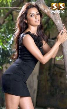 Priya-Anand-Photo-Shoot4-copy