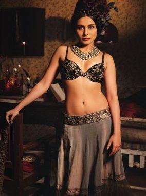 rani_mukherjee-spicy-navel-photos-in-transparent-saree (13)
