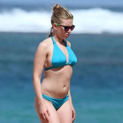 Scarlett-Johansson-Bikini-Pictures